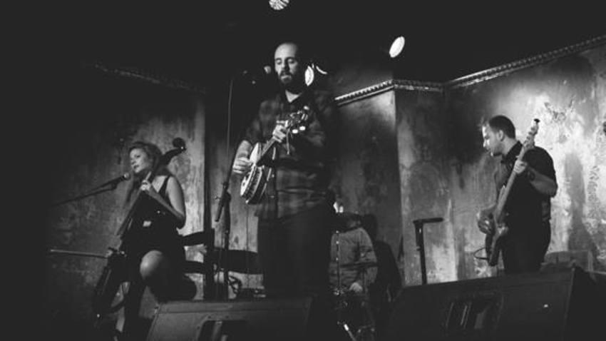 Ο Remi & The Road παρουσιάζει το νέο του άλμπουμ