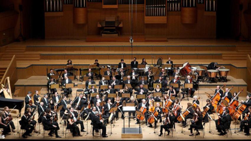 Εορταστικό γκαλά με την Κρατική Ορχήστρα Αθηνών στο Μέγαρο Μουσικής ... 3e2eed8d9ad
