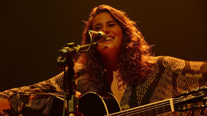 Κατερίνα Πολέμη | Μόνη με την κιθάρα της στο Μετς