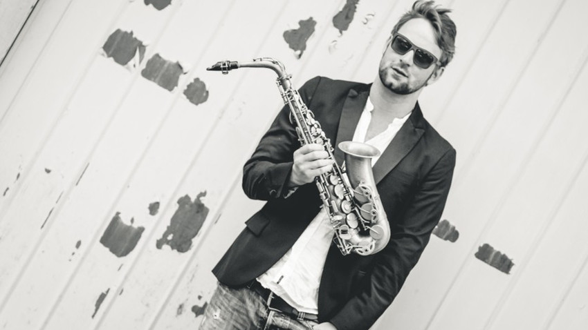 Max the Sax is back in town!