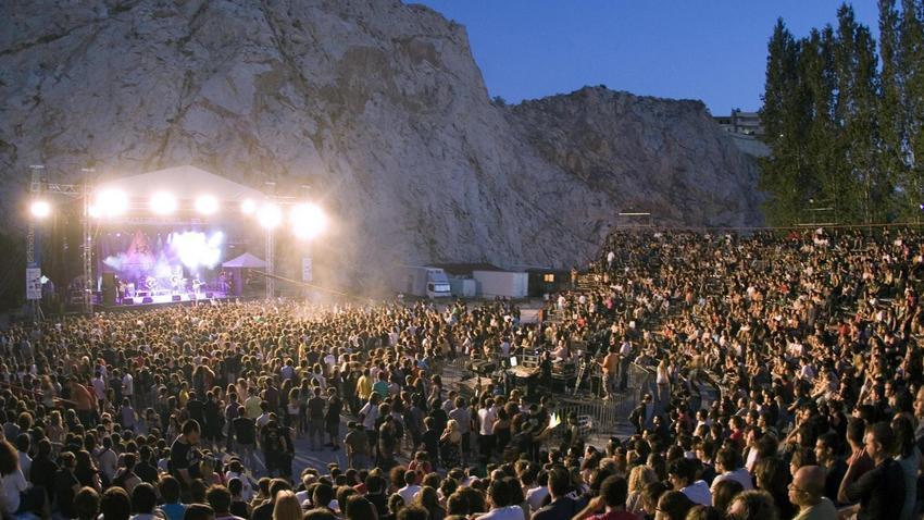 Schoolwave Festival στο θέατρο Βράχων