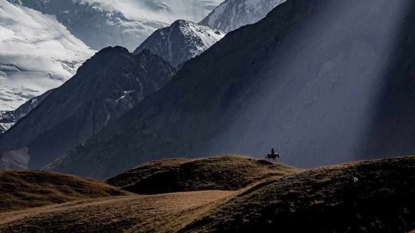 Τατζικιστάν-Κιργιστάν, Στο Δρόμο των Παμίρ