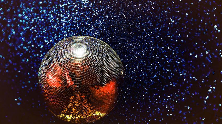 United We Dance||Diskotekken, Blue Lagoon, Mood