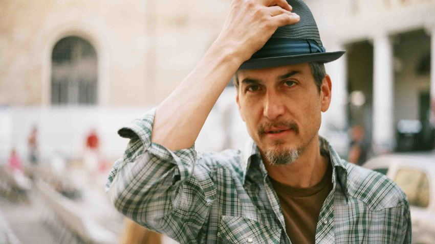 HOWE GELB (Giant Sand) | The piano, the guitar... the man