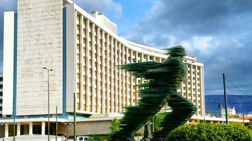 Τέχνη για τα 100 χρόνια του Hilton