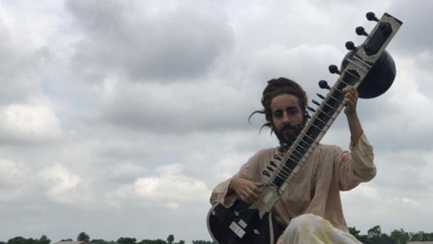 Ινδική κλασική μουσική με τον Ιάσονα Ψαράκη