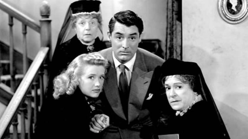 Park Your Cinema: Αρσενικό και Παλιά Δαντέλα (1944)