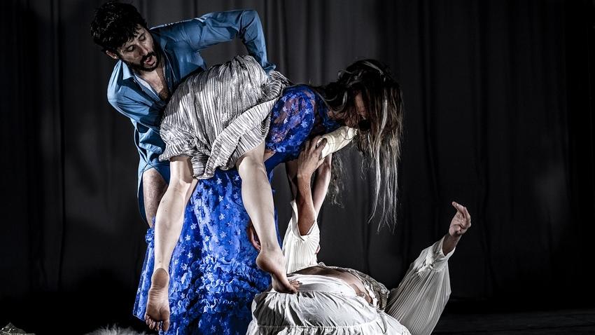 Ιωάννα Πορτόλου - Ομάδα Χορού Griffón :: Kaos