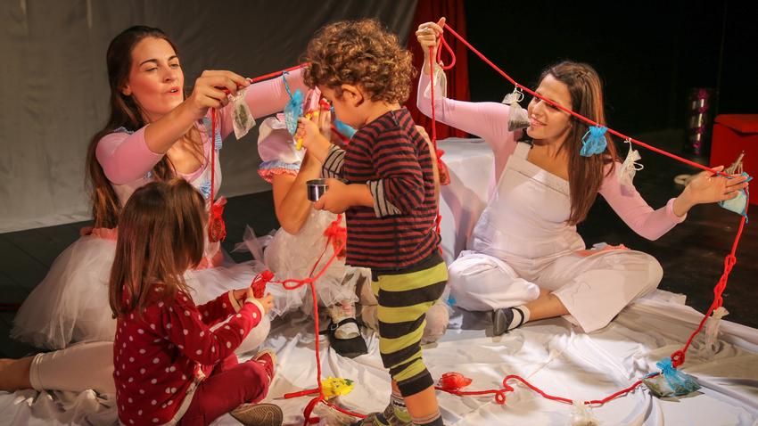 Το μωρό των πέντε αισθήσεων | Στο θέατρο Αργώ