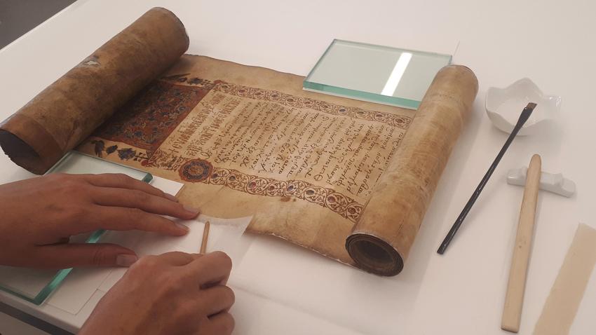 Εθνική Βιβλιοθήκη της Ελλάδος: Μια ματιά στη συντήρηση των χειρογράφων