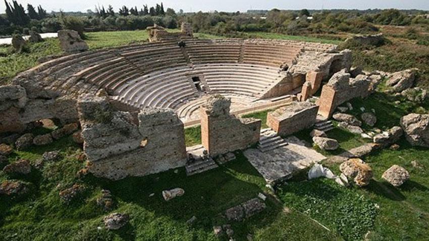 Παραμερίζοντας το πέπλο του χρόνου: Αρχαίο θέατρο Δωδώνης