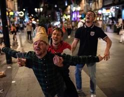 Χορός στη Στέγη | ENTER ACHILLES, LLOYD NEWSON (DV8)