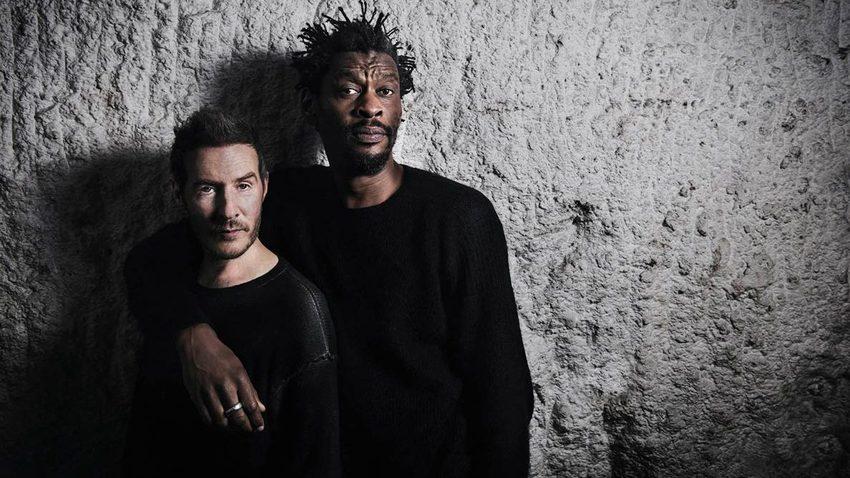 Οι Massive Attack στο πιο εντυπωσιακό τους show