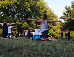 Πικ νικ και yoga στα Βασιλικά Κτήματα