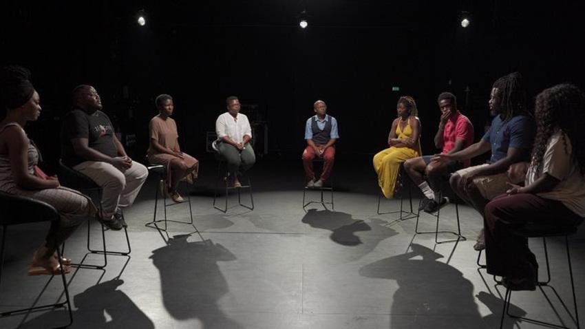 9 Αφροέλληνες συζητούν το τι σημαίνει «Δεν μπορώ να αναπνεύσω» στην Ελλάδα