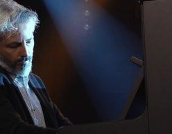 Nikos Papadogiorgos: The Art of Song