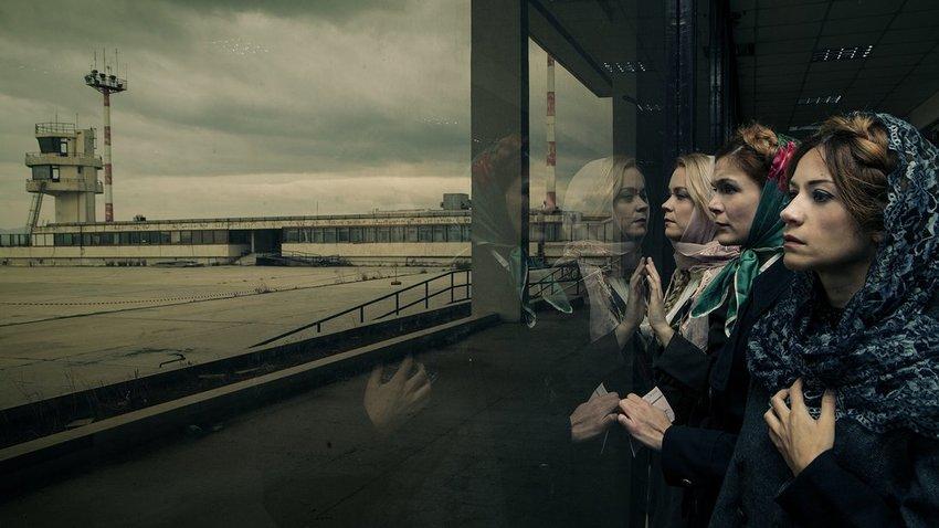 Οι Τρεις αδερφές του Τσέχωφ, σε σκηνοθεσία Δ. Τάρλοου