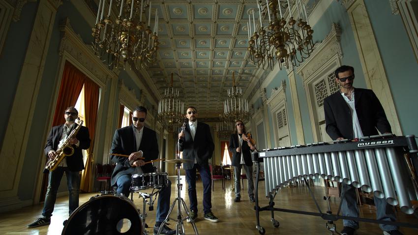 éαρ fέστιβαλ | Σύγχρονη Μουσική στο Δημοτικό Θέατρο Πειραιά
