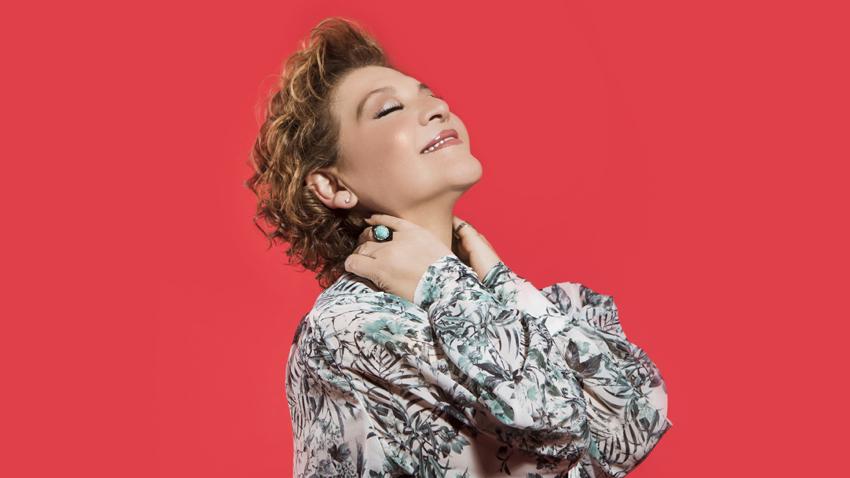 H Γιώτα Νέγκα τραγουδάει Ευτυχία Παπαγιαννοπούλου
