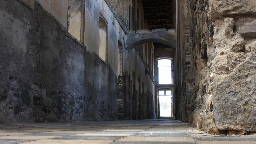 Sterna Art Project 2015: Στα Λουτρά στη Νίσυρο