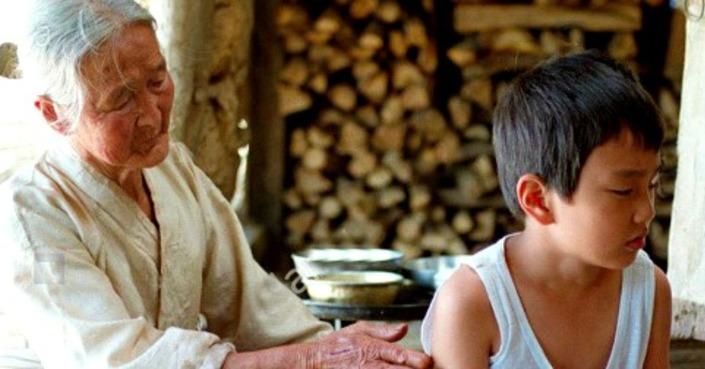 THE WAY HOME (2002) | Jibeuro | Γιαγιά, τι τραβάς κι εσύ;!