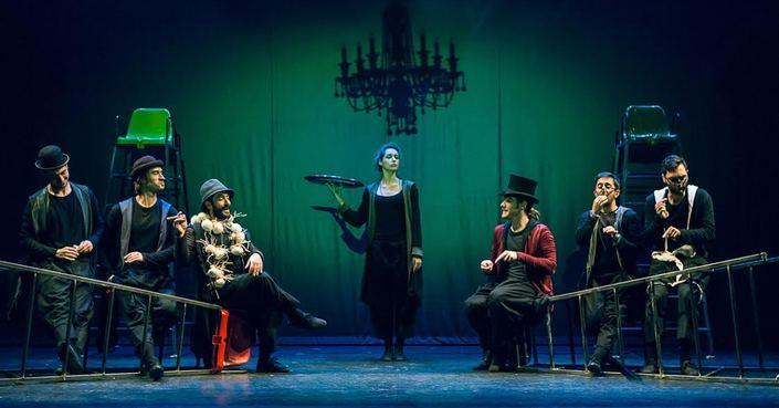 Το εορταστικό πρόγραμμα του θεάτρου Άλφα.Ιδέα