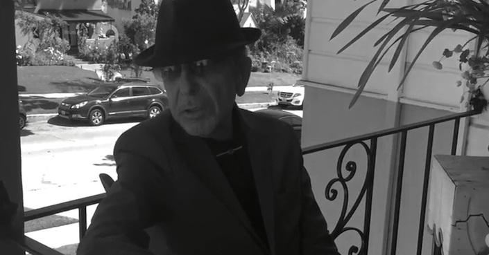 Συγκινητικό lyric-video για το Traveling Light του Leonard Cohen