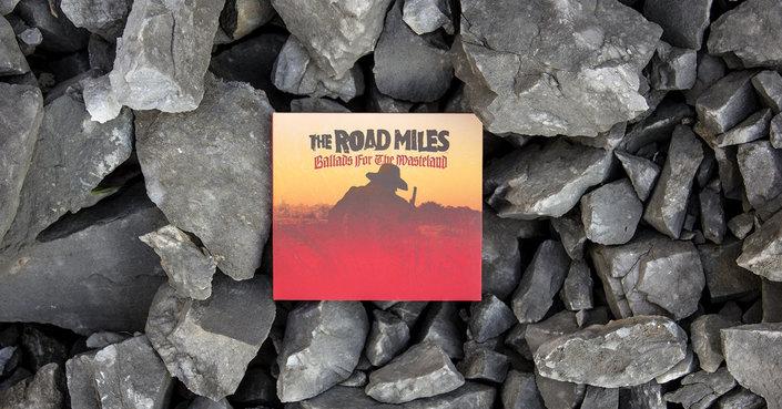 Ballads of the Wasteland, ένα άλμπουμ που ξεπερνά κατά πολύ τον τίτλο του.