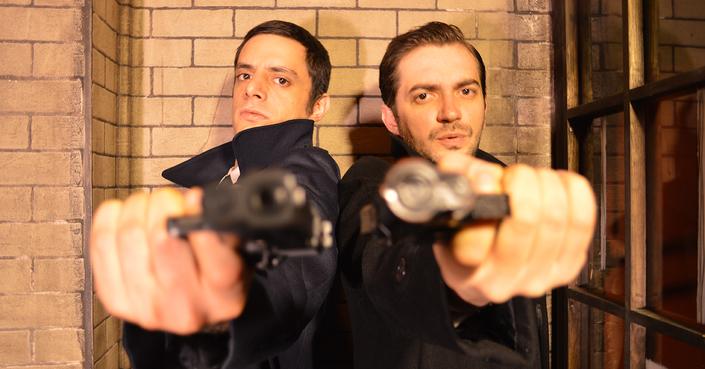 Οι ηθοποιοί του «Βουβού Σερβιτόρου» μιλούν στο deBόp