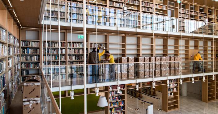 Ξεκίνησε η μετακόμιση των συλλογών της Εθνικής Βιβλιοθήκης