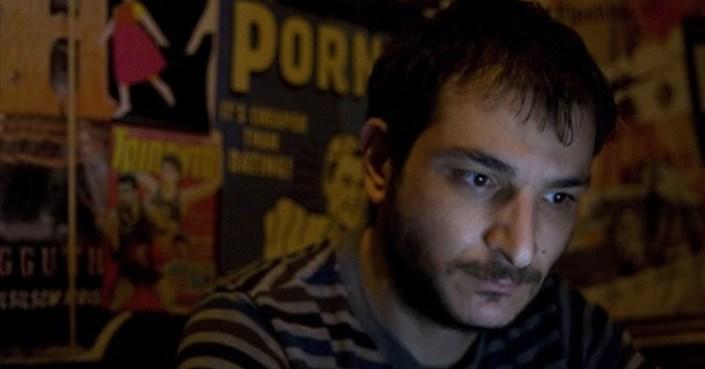 Ο σκηνοθέτης Κωνσταντίνος Χατζής μιλά στο deBop