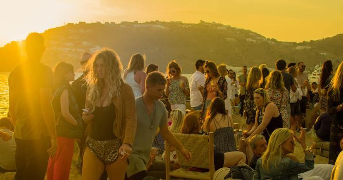 Summering | Το απόλυτο mixtape για beach party