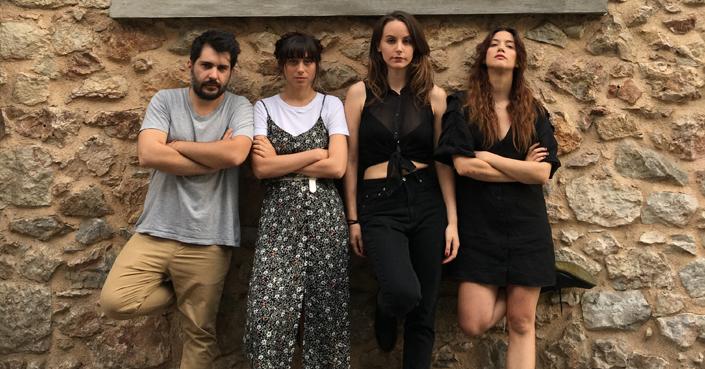 Η δημιουργική ομάδα του Adapt Festival στο deBόp