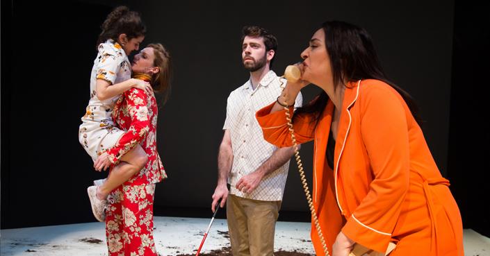 deTalks με τους συντελεστές της παράστασης «Τα Μάτια» | από το deBόp και το θέατρο Νέου Κόσμου