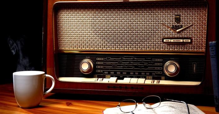 Μικρό Αναλόγιο | Πεζογραφία και Ποίηση στο ραδιόφωνο