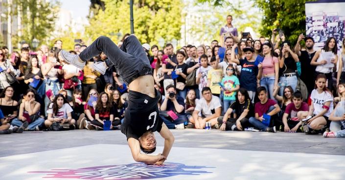 Ένας ξεχωριστός 1vs1 διαγωνισμός street dance έρχεται στις πίστες όλου του κόσμου!