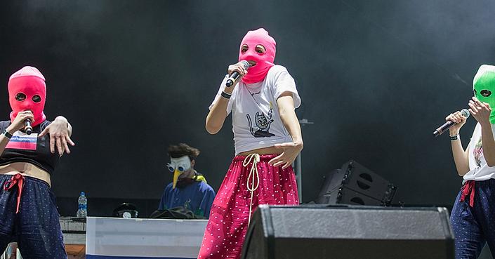 Οι Pussy Riot φέρνουν την επανάσταση στο Street Mode Festival 2019!