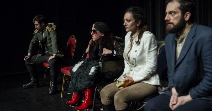 Είδαμε την παράσταση «Ο Παίκτης» στο θέατρο 104