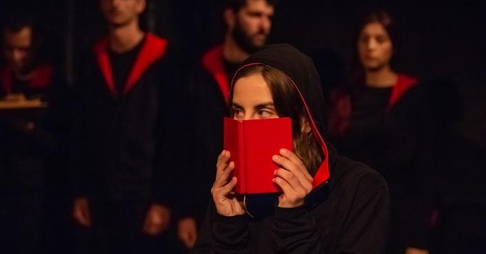Είδαμε την παράσταση «Κρίστοφερ» στο θέατρο Άβατον