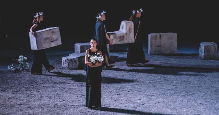 """Είδαμε: """"Ιφιγένεια εν Αυλίδι"""" από το Κρατικό Θέατρο Βορείου Ελλάδας"""