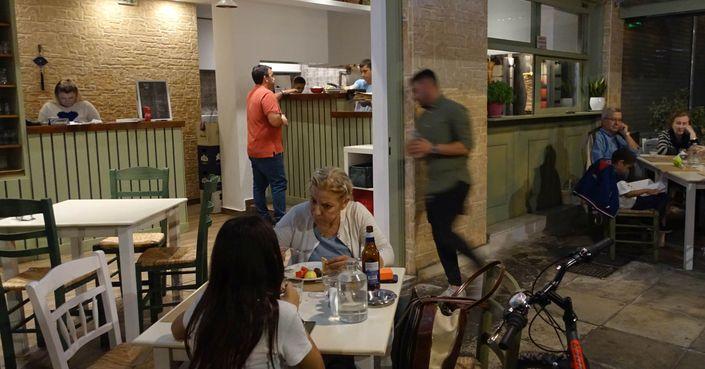 Κουντουριώτικο: το καλύτερο χορτοφαγικό σουβλάκι στο Κουκάκι