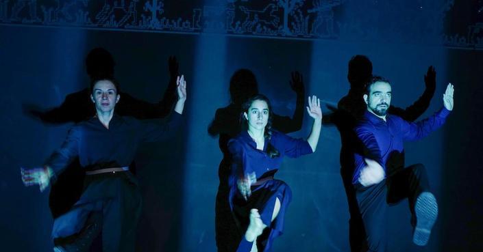 Η Ομάδα ΑΤΟΝΑλ μας μιλάει για τον «Λάμπρο» | Θέατρο του Νέου Κόσμου