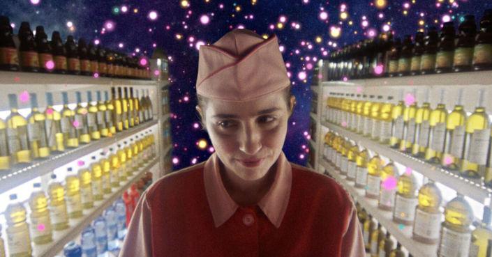 Η μεταμόρφωση της Μαρίας Κίτσου σε Άννα Πυλαρινού για το Cosmic Candy, διά στόματος Ρηνιώς  Δραγασάκη
