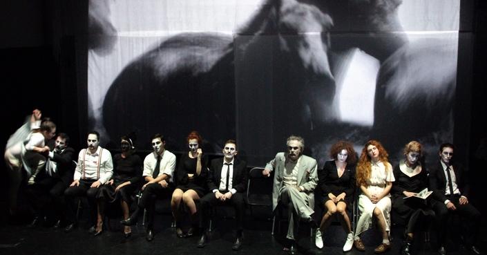 Είδαμε: «Αγάπης Αγώνας Άγονος» σε σκηνοθεσία του Λύσανδρου Σπετσιέρη στο Θέατρο Δεκατέσσερα