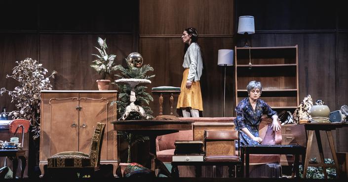 Είδαμε: «Τρεις αδερφές» σε σκηνοθεσία Δημήτρη Καραντζά / Στη Μόσχα μετ' εμποδίων