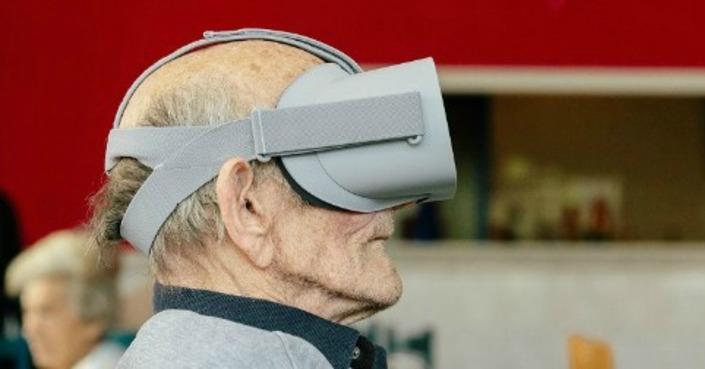 Η εικονική πραγματικότητα στα Γηροκομεία από το Μουσείο Κυκλαδικής Τέχνης και τη SEVENELEVEN