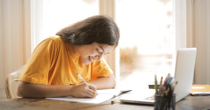 BookSitting | Μένουμε σπίτι και γράφουμε