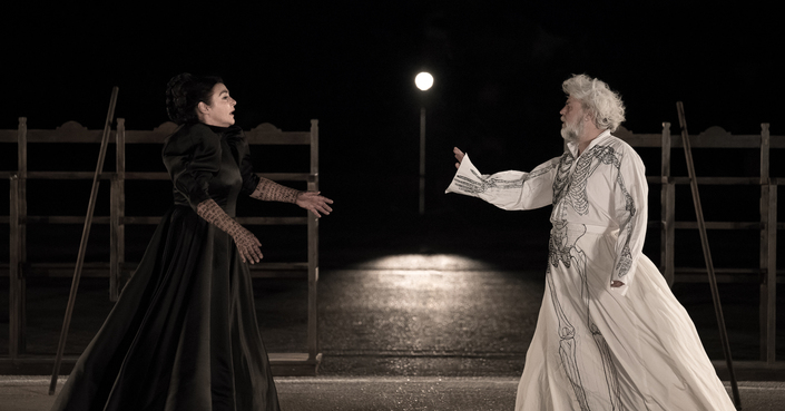 """Είδαμε: """"Πέρσες"""" του Αισχύλου από το Εθνικό Θέατρο σε σκηνοθεσία Δ. Λιγνάδη"""