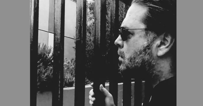 Νέο single από τον Δημήτρη Μητσοτάκη | «Ακούω Φωνές» [video clip]