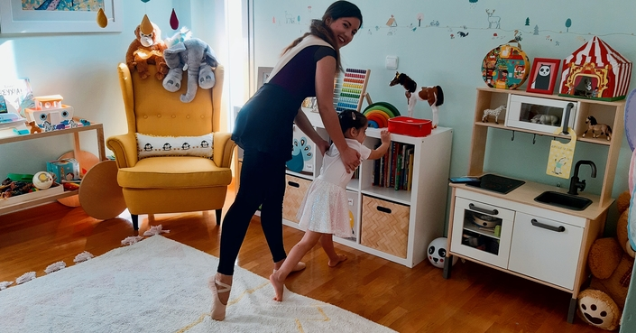 #MomAndTheCity Επιχείρηση Χόμπι // Happy feet project :: Μπαλέτο για τα παιδιά, πιλάτες για τη μαμά!